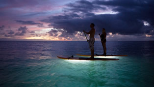 night-paddle-surfing-oahu